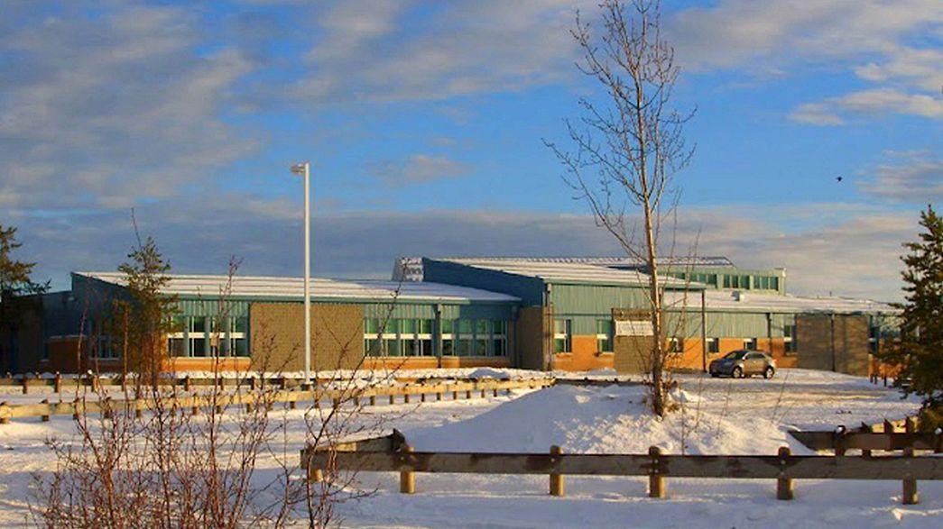 Canadá: Quatro mortos num tiroteio numa escola