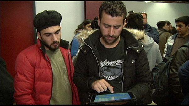 تلاش جمعی از پناهجویان عراقی برای بازگشت از آلمان