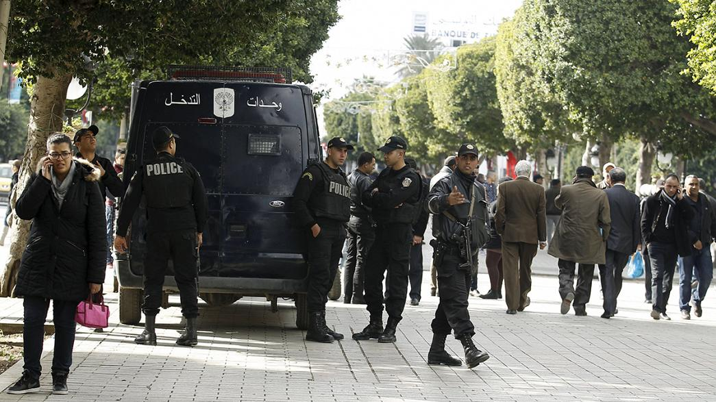 Tunisia: President warns ISIL could exploit unrest over unemployment