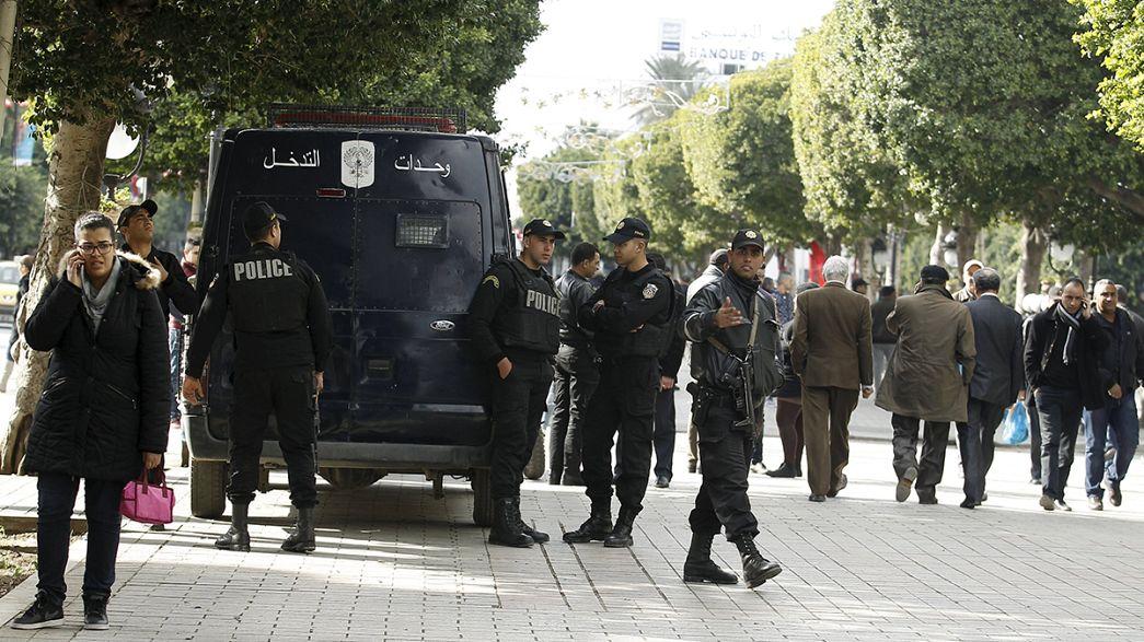 Tunísia: Manifestações pelo emprego alastram-se