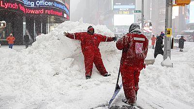 Tempestade de neve lança caos nos EUA