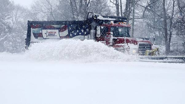 Snowstorm Jonas: US East Coast battered by deadly blizzard