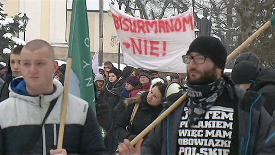 Anti-migrant protesters rally in Poland