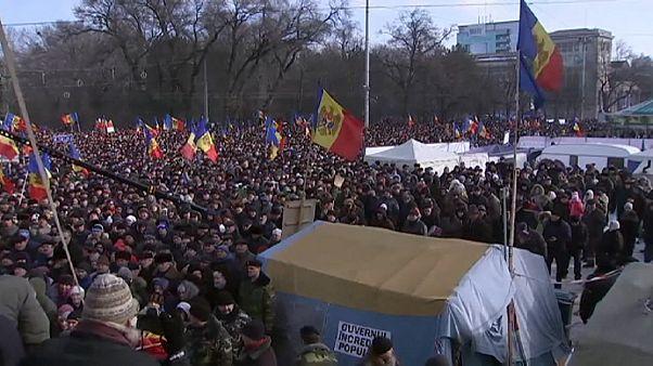 Multitudinaria manifestación contra el Gobierno de Moldavia