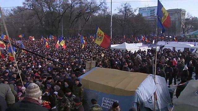 Демонстранты в Кишиневе требуют отставки кабинета