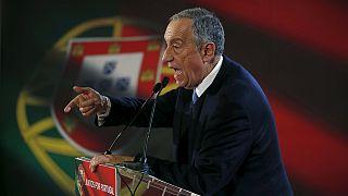 البرتغاليون يدلون باصواتهم في انتخابات رئاسية وسط توقعات بفوز المرشح المحافظ