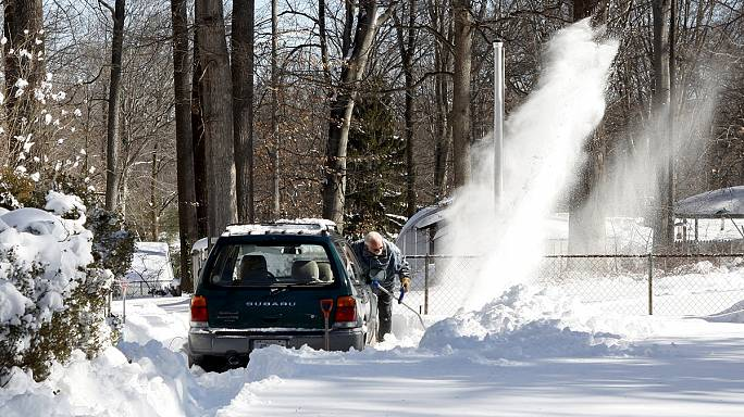 Washington comes out to play after blizzard