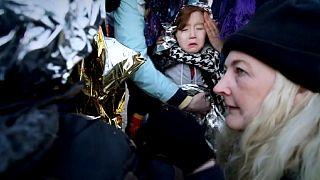 Migranti, Grecia: centinaia in giornata a Lesbo, rissa mortale a Idomeni