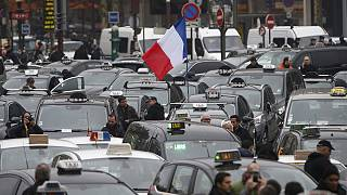 Fransız taksi şoförlerinden 'Uber' protestosu