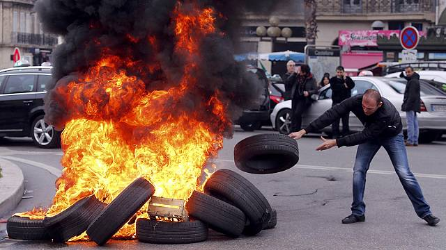 France battles transport disruption amid taxi and aviation strikes