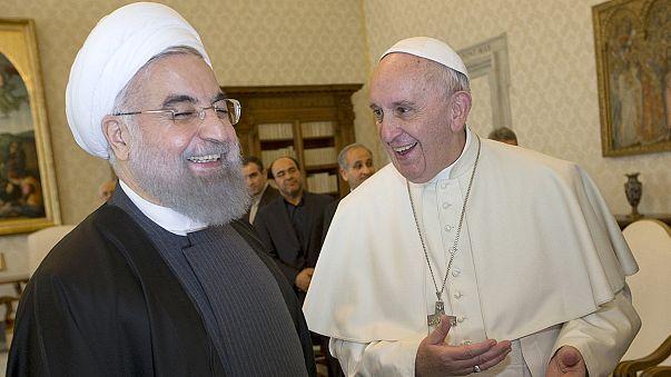 الرئيس الايراني بالفاتيكان ولقاء تاريخي مع البابا فرنسيس