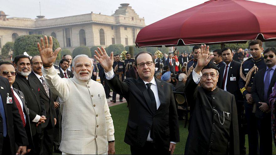 Hollande deixa a Índia no meio de celebrações