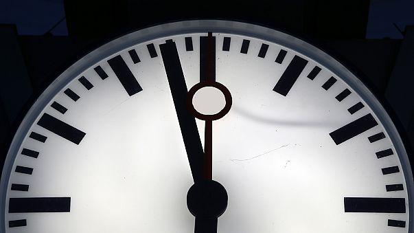 عدم تغییر ساعت نمادین روز قیامت