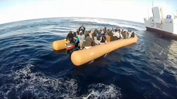 La Guardia Costera italiana coordina el rescate de casi 1300 inmigrantes en el Mediterráneo