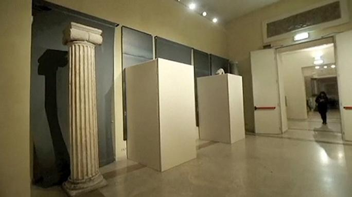 حجب التماثيل العارية خلال زيارة روحاني لإيطايا