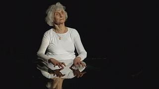 Auschwitz survivor Eva Fahidi captivates audiences with her life story in dance