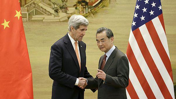 """A Pékin, John Kerry évoque ''la menace"""" que représente la Corée du Nord"""