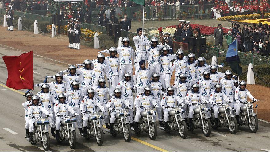 Inde : des cascadeurs font le show lors du défilé du Republic Day