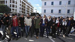 Tunisie : les chômeurs manifestent leur colère