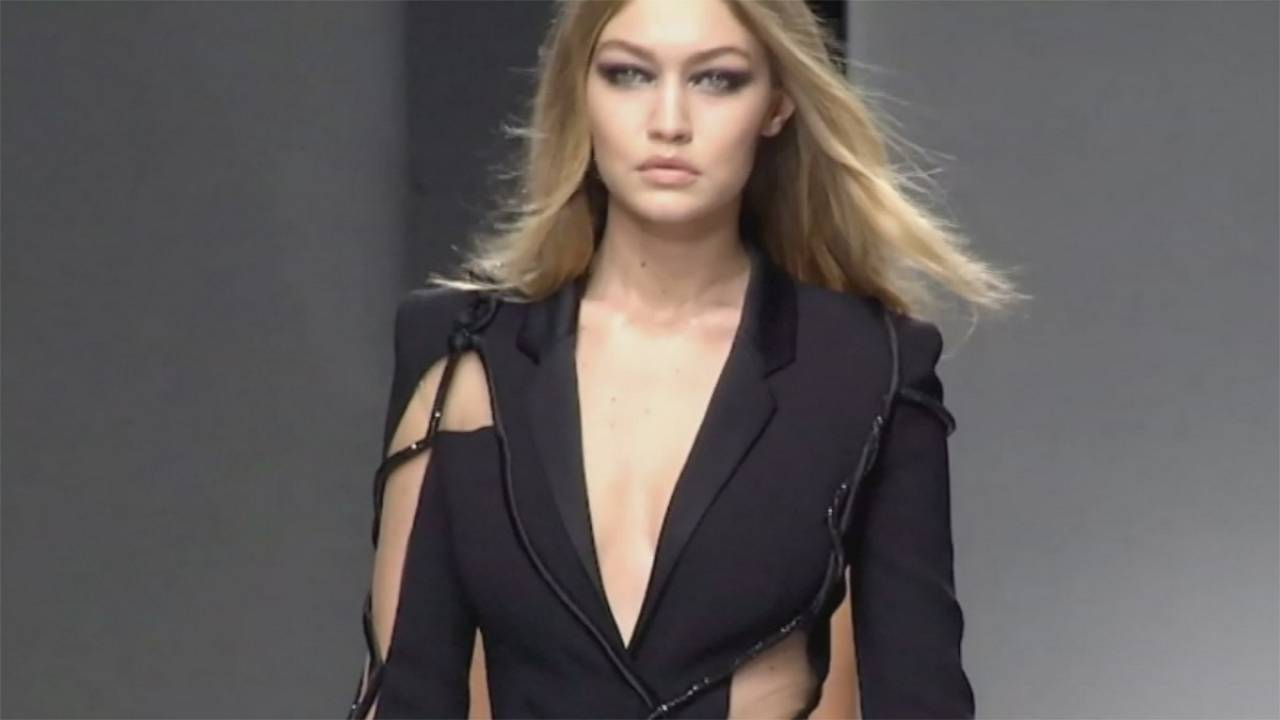 Haute couture avec Valli, Dior, Versace, Kayek
