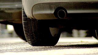 Brüssel droht Autoherstellern mit Bußgeldern