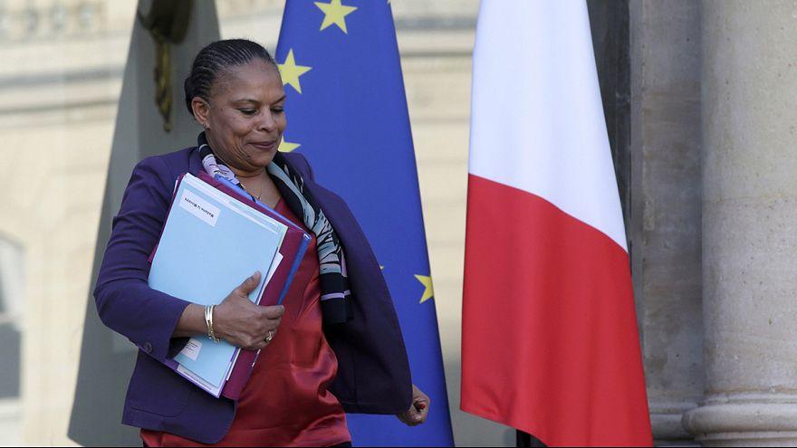 Fransa'da vatandaşlıktan çıkartılma tartışılıyor