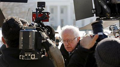 Sanders dice que Obama no está apoyando a Clinton