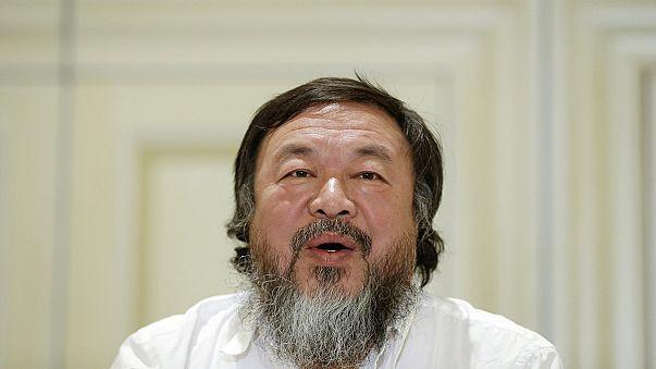 Dinamarca: Ai Weiwei encerra exposição em protesto contra nova lei do asilo