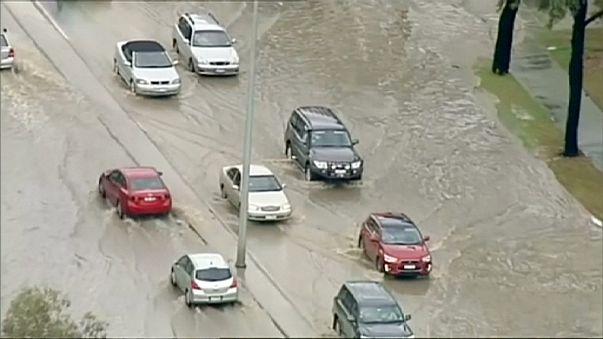 La ciudad australiana de Geelong lucha contra la peor inundación en 50 años