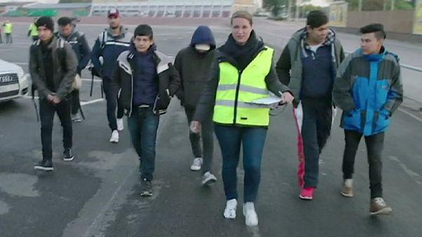 A határon belül elrejtőző menekülőktől tartanak a svédek