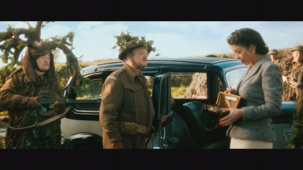 "Charmantes Comeback: Catherine Zeta-Jones in ""Dad's Army"""