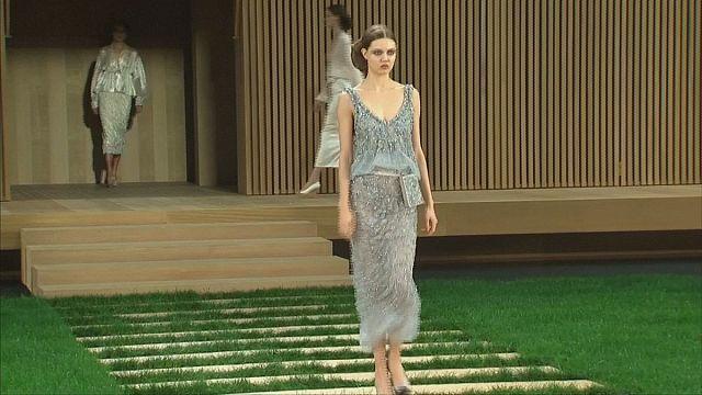 Fa, zen és békesség - a Chanel tavaszi haute couture kollekciója