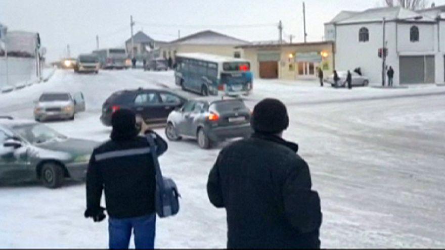 Azerbaycan'da yollar dondu