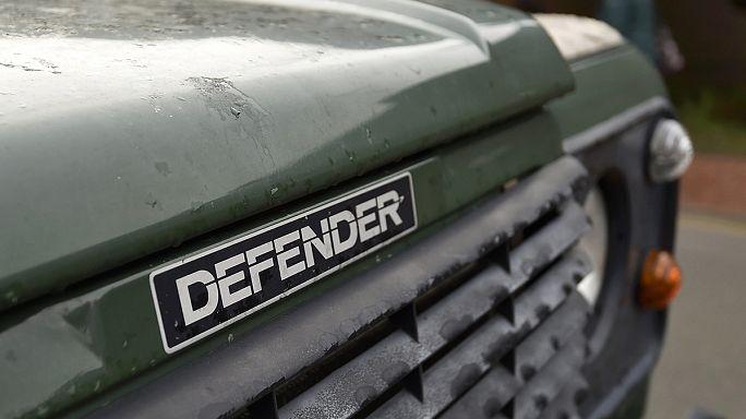 """""""لاند روفر"""" توقف تصنيع سيارة الـ """"ديفندر"""""""