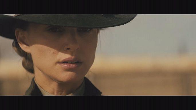 Natalie Portman kovboy filmiyle hayranlarının karşısında