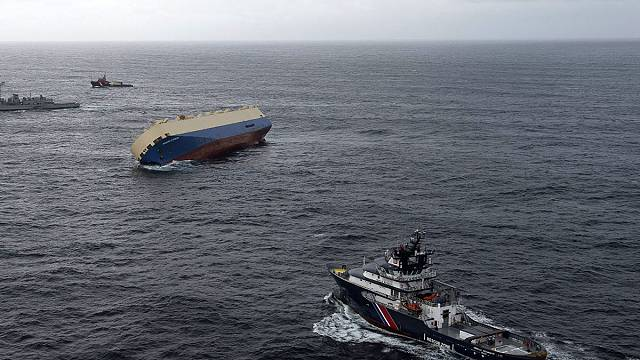 Stricken timber freighter drifts towards French coast