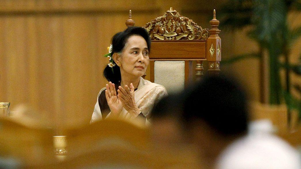 Myanmar: i neoeletti in aula