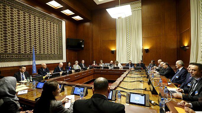 """Syrie : l'opposition envoie une délégation à Genève pour """"discuter, pas négocier"""""""