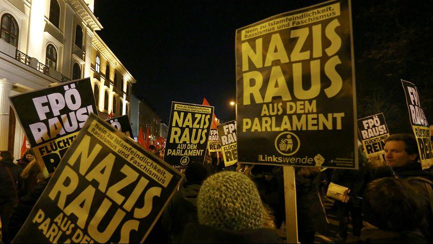 Marcha en el centro de Viena contra la extrema derecha europea