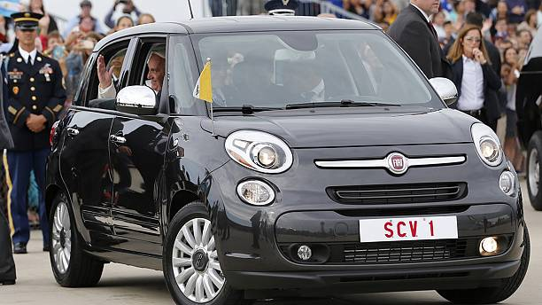 Fiat 500 from Pope Francis' U.S. visit auctioned in Philadelphia