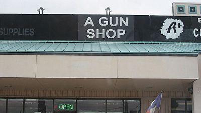 Le trafic d'armes à feu entre particuliers interdit sur Facebook
