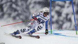 Viktoria Rebensburg gana en Maribor tras las caídas de Vonn y Gut