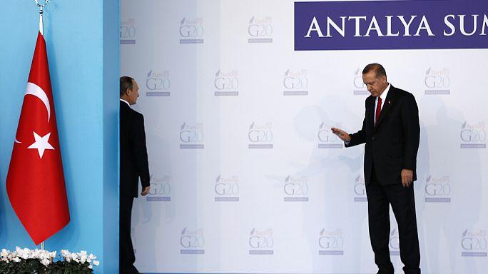 Moszkva propagandának minősítette Ankara légtérsértésről szóló vádjait