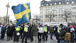 Svezia. Proteste contrapposte, contro ed in sostegno dei migranti, dopo aggressioni neo-nazi di venerdì