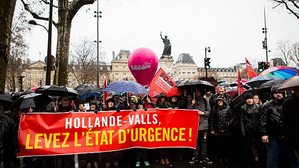 """Fransızlar eylemde: """"Olağanüstü hal demokrasimizi zedeliyor"""""""