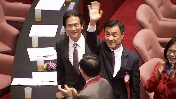 Taïwan : passation de pouvoir historique au Parlement