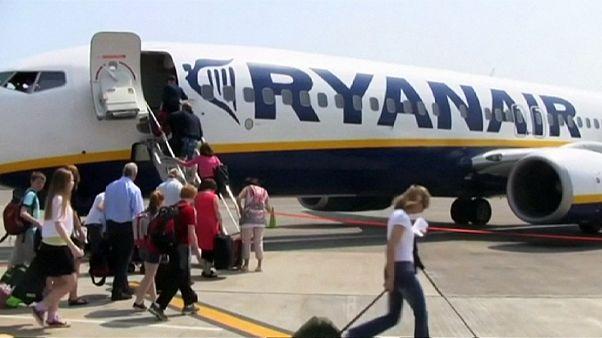 Ryanair: εκτόξευση κερδών, στα ίδια επίπεδα τα εισιτήρια