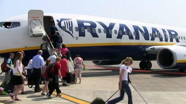 Ryanair prevé un nuevo récord de pasajeros y comprará 800 millones de euros de sus acciones