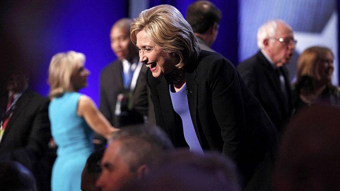 Hillary Clinton e Sanders no Iowa praticamente empatados