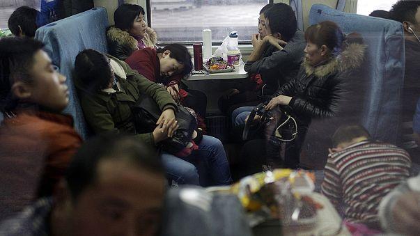 Çin'de yeni yıl tatili için milyonlarca insan yollara düştü